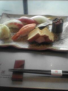 ホテルで寿司27貫!